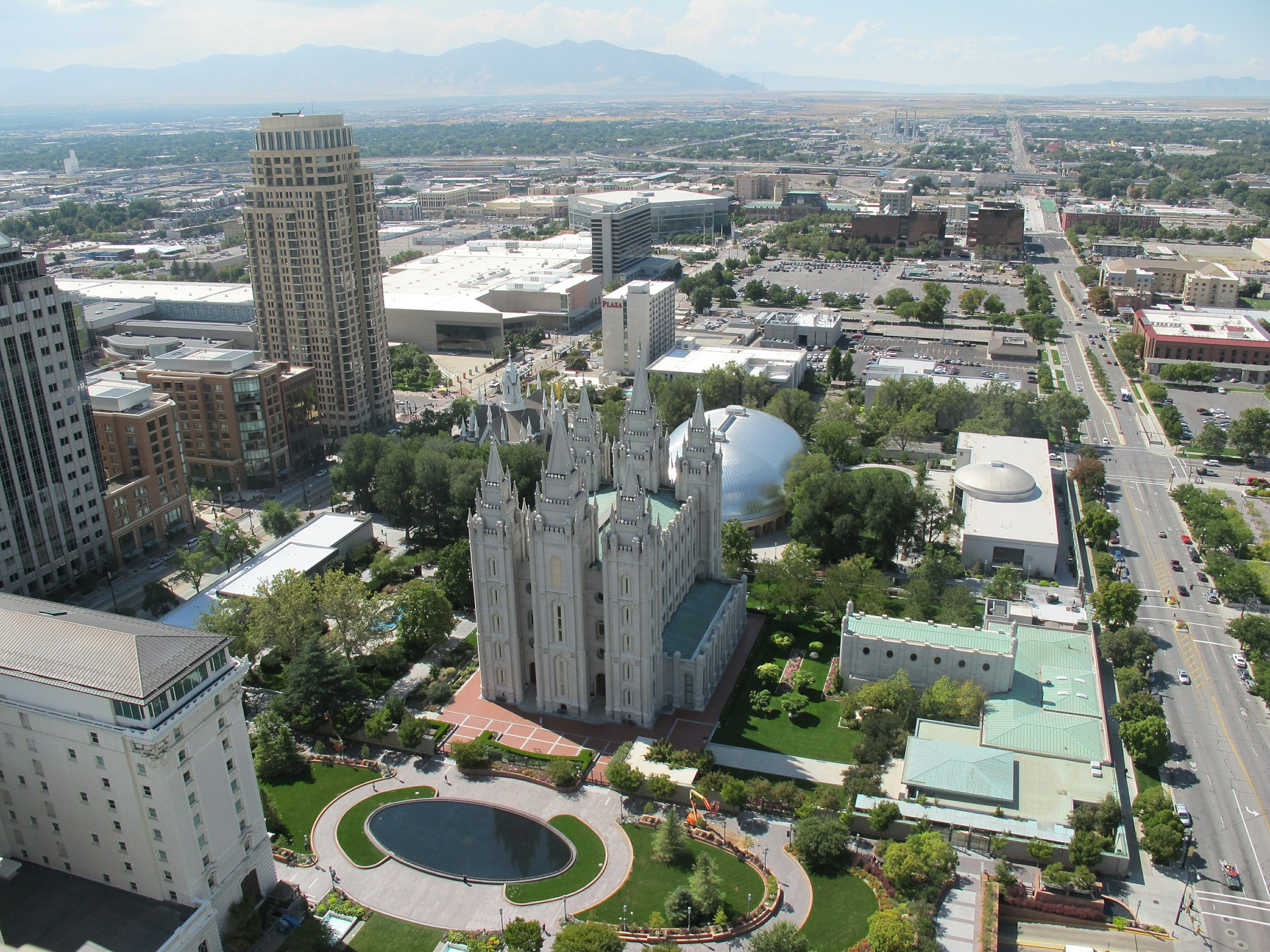 With stunning scenery and a small town feel, Salt Lake City is a one-of-a-kind destination.