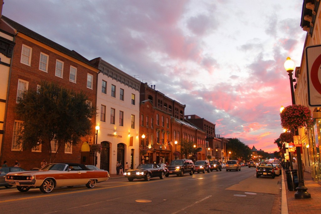 Georgetown is a great neighborhood for both students and professionals, and it's conveniently and centrally located.